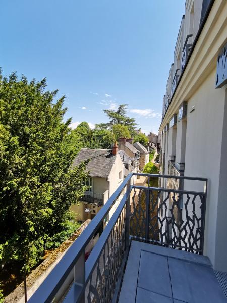 résidence seniors Bourges-Jardins d'Arcadie-Centralys-exterieur-balcon